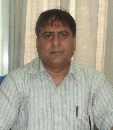 डा. आनन्द कुमार शर्मा, बरिष्ठ नेत्र विशेषज्ञ , विपी कोइराला नेत्र अध्ययन केन्द्र महाराजगञ्ज